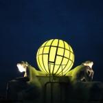 Ausleuchtung der Weltkugel auf dem Hotel Atlantic in Hamburg mit Osram RGB LED Systemen über EASY Color Control angesteuert.